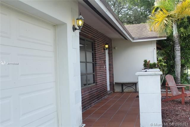 Flamingo Gardens for Sale - 5636 SW 118th Ave, Cooper City 33330, photo 3 of 35