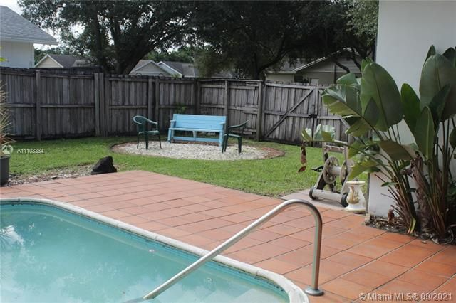 Flamingo Gardens for Sale - 5636 SW 118th Ave, Cooper City 33330, photo 9 of 35