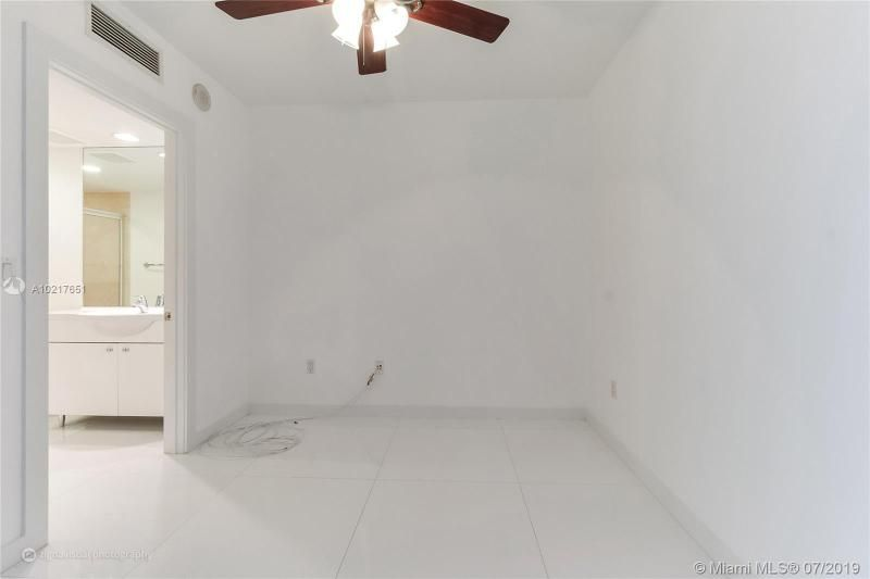Beach Club I for Sale - 1850 S Ocean Dr, Unit 2702, Hallandale 33009, photo 10 of 19