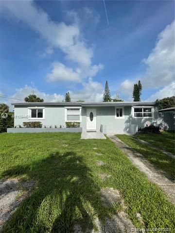 Sunrise Heights for Sale - 901 NW 33rd Dr, Lauderhill 33311, photo 1 of 24