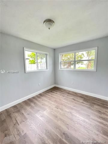 Sunrise Heights for Sale - 901 NW 33rd Dr, Lauderhill 33311, photo 15 of 24