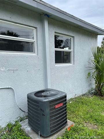 Sunrise Heights for Sale - 901 NW 33rd Dr, Lauderhill 33311, photo 21 of 24