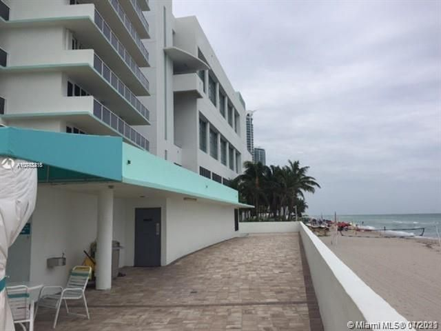 Sea Air Towers for Sale - 3725 S Ocean Dr, Unit 917, Hollywood 33019, photo 17 of 33