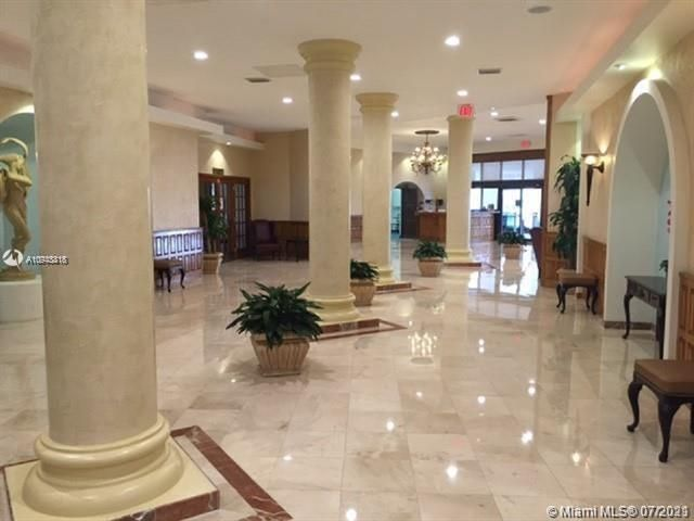 Sea Air Towers for Sale - 3725 S Ocean Dr, Unit 917, Hollywood 33019, photo 18 of 33