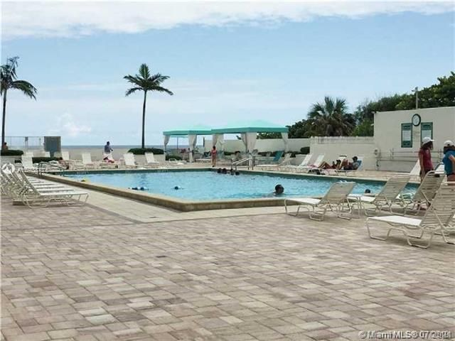 Sea Air Towers for Sale - 3725 S Ocean Dr, Unit 917, Hollywood 33019, photo 27 of 33