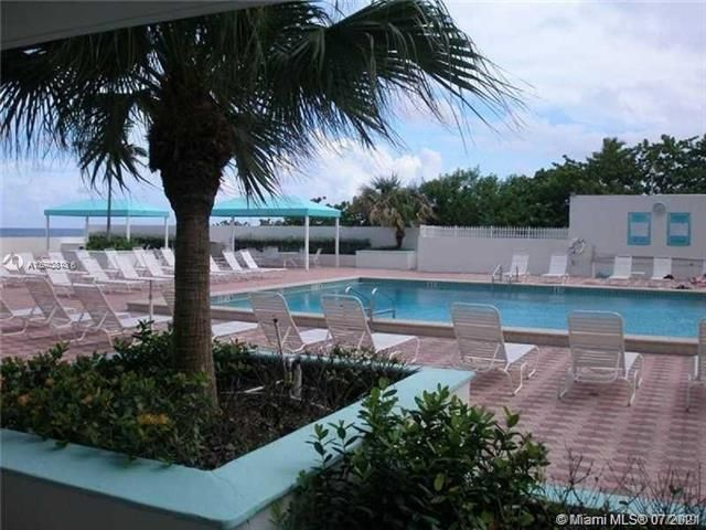 Sea Air Towers for Sale - 3725 S Ocean Dr, Unit 917, Hollywood 33019, photo 28 of 33