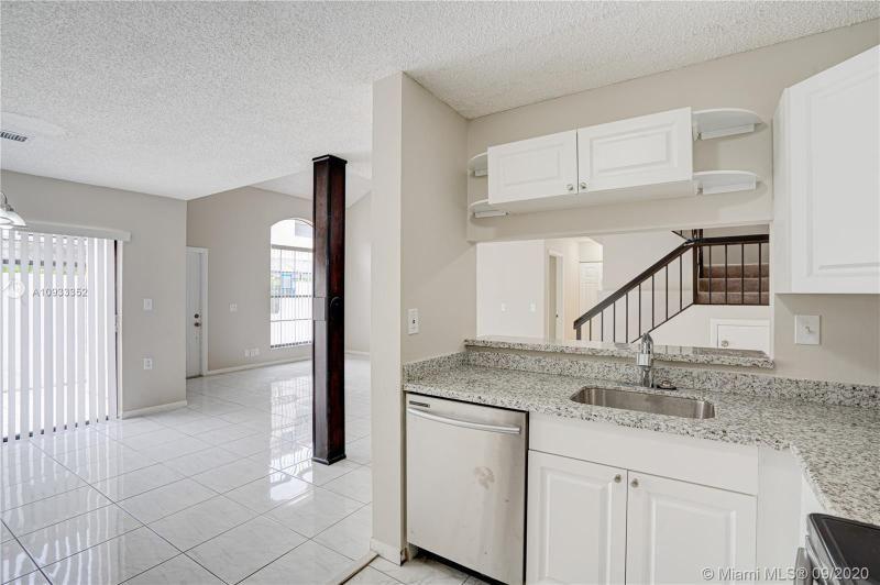 Costan Villas for Sale - 21204 Harbor Way, Unit 125-12, Aventura 33180, photo 10 of 25