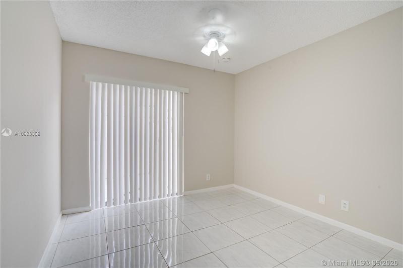 Costan Villas for Sale - 21204 Harbor Way, Unit 125-12, Aventura 33180, photo 11 of 25