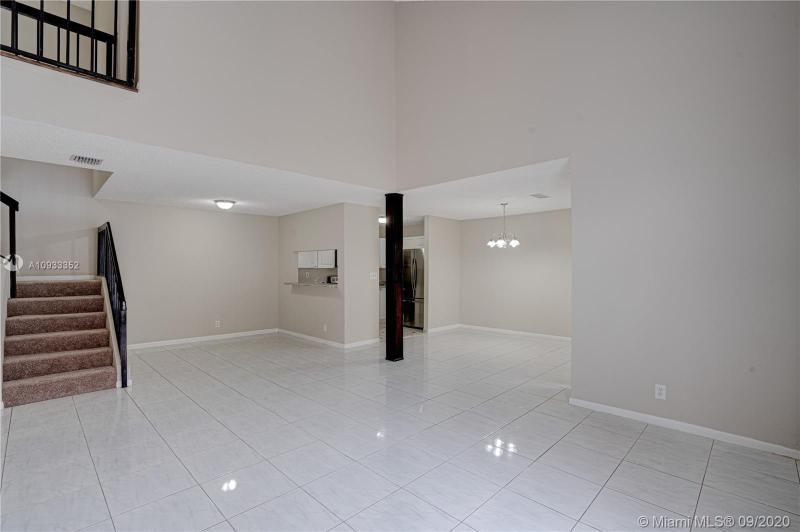 Costan Villas for Sale - 21204 Harbor Way, Unit 125-12, Aventura 33180, photo 3 of 25