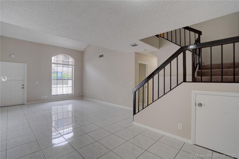 Costan Villas for Sale - 21204 Harbor Way, Unit 125-12, Aventura 33180, photo 5 of 25