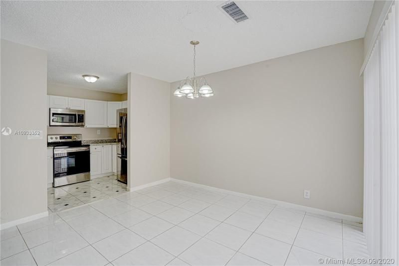 Costan Villas for Sale - 21204 Harbor Way, Unit 125-12, Aventura 33180, photo 6 of 25