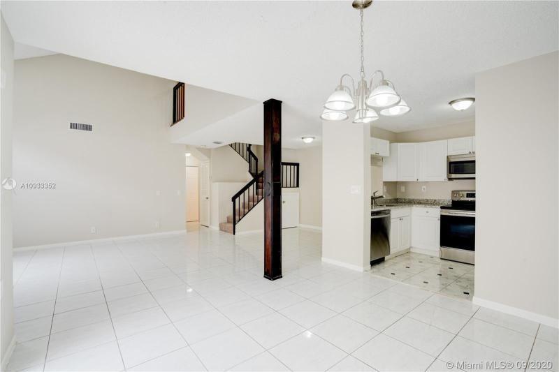 Costan Villas for Sale - 21204 Harbor Way, Unit 125-12, Aventura 33180, photo 7 of 25