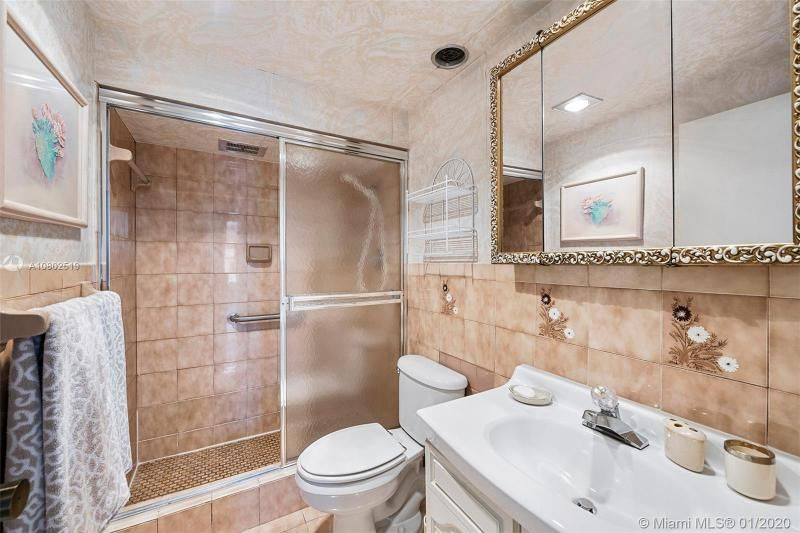 Hollywood Towers for Sale - 3111 N Ocean Dr, Unit 510, Hollywood 33019, photo 13 of 28