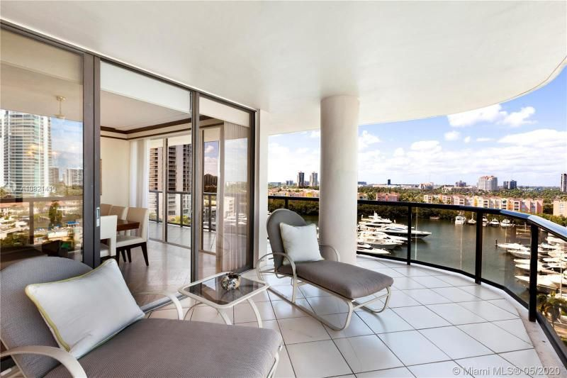 Turnberry Isle for Sale - 19667 NW Turnberry Way, Unit 10E, Aventura 33180, photo 1 of 43