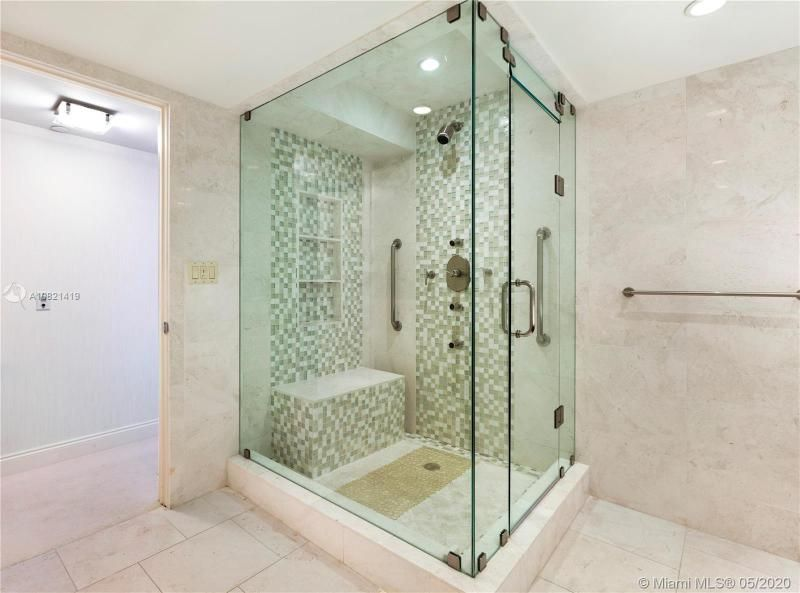 Turnberry Isle for Sale - 19667 NW Turnberry Way, Unit 10E, Aventura 33180, photo 17 of 43