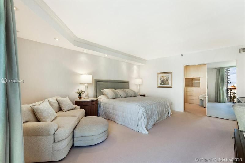 Turnberry Isle for Sale - 19667 NW Turnberry Way, Unit 10E, Aventura 33180, photo 19 of 43