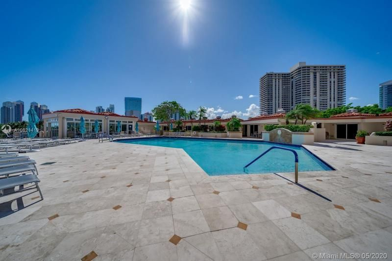 Turnberry Isle for Sale - 19667 NW Turnberry Way, Unit 10E, Aventura 33180, photo 24 of 43
