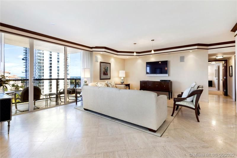 Turnberry Isle for Sale - 19667 NW Turnberry Way, Unit 10E, Aventura 33180, photo 3 of 43