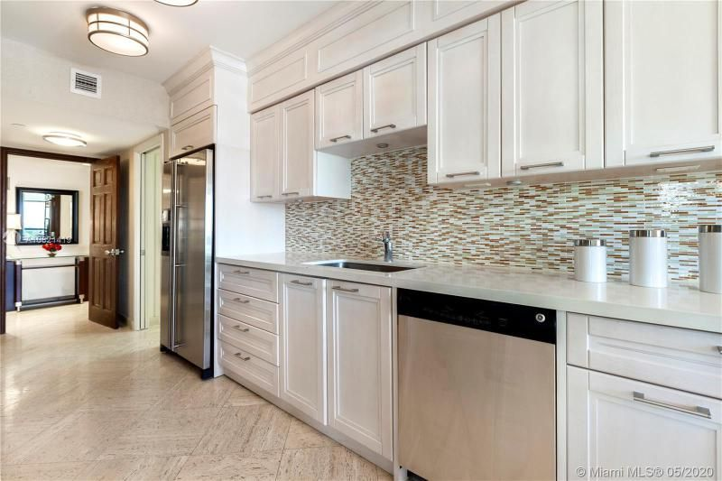 Turnberry Isle for Sale - 19667 NW Turnberry Way, Unit 10E, Aventura 33180, photo 6 of 43