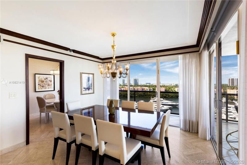 Turnberry Isle for Sale - 19667 NW Turnberry Way, Unit 10E, Aventura 33180, photo 9 of 43
