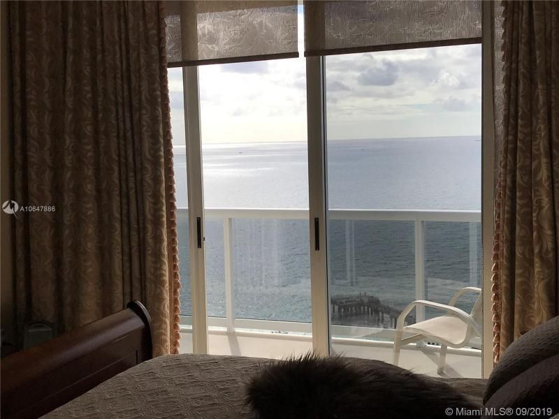 Sands Pointe for Sale - 16711 Collins Ave, Unit UPH-03, Sunny Isles 33160, photo 3 of 20