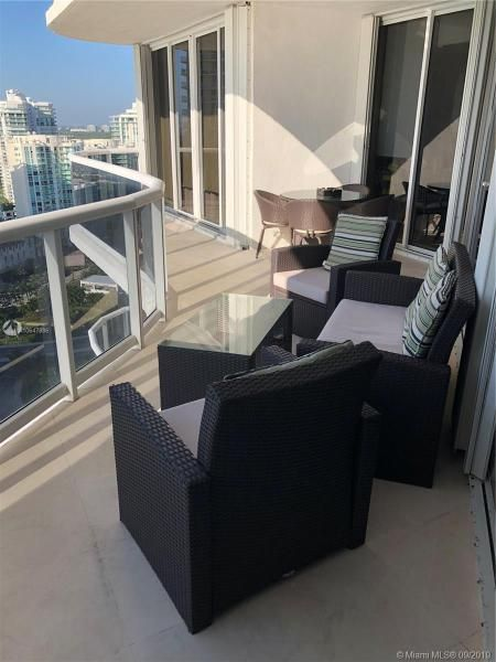 Sands Pointe for Sale - 16711 Collins Ave, Unit UPH-03, Sunny Isles 33160, photo 9 of 20