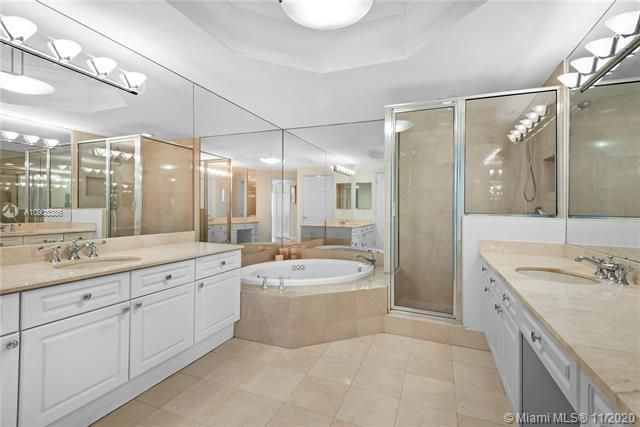 Renaissance On The Ocean for Sale - 6001 N Ocean Dr, Unit 606, Hollywood 33019, photo 17 of 32