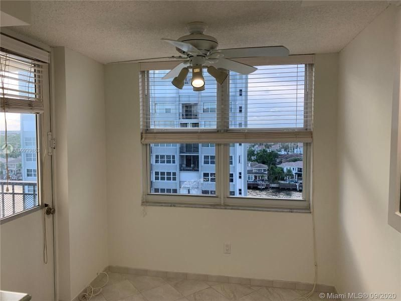Oxford Towers for Sale - 1501 S Ocean Dr, Unit 1204, Hollywood 33019, photo 11 of 32