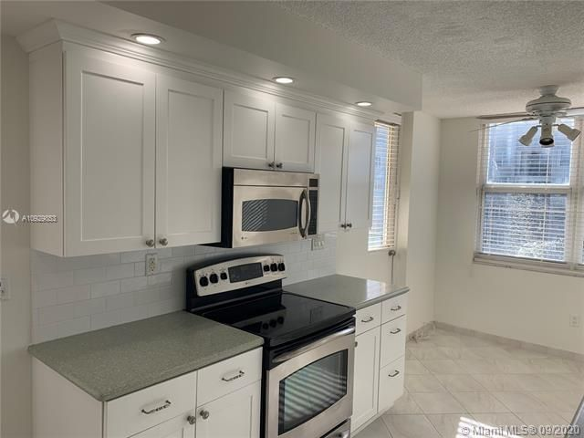Oxford Towers for Sale - 1501 S Ocean Dr, Unit 1204, Hollywood 33019, photo 12 of 32