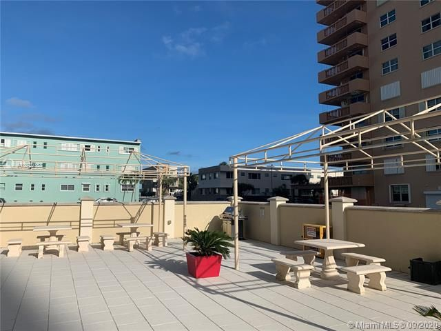 Oxford Towers for Sale - 1501 S Ocean Dr, Unit 1204, Hollywood 33019, photo 22 of 32