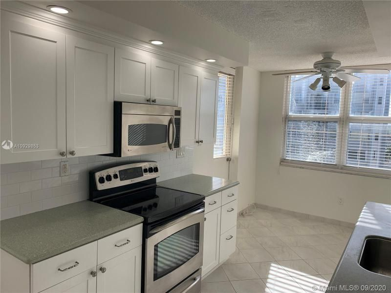 Oxford Towers for Sale - 1501 S Ocean Dr, Unit 1204, Hollywood 33019, photo 29 of 32