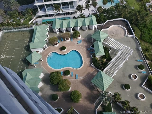 Sands Pointe for Sale - 16711 Collins Ave, Unit 2206, Sunny Isles 33160, photo 2 of 9