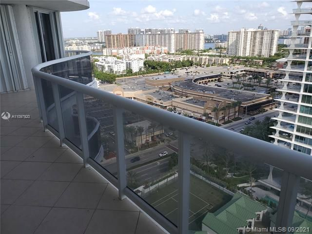 Sands Pointe for Sale - 16711 Collins Ave, Unit 2206, Sunny Isles 33160, photo 4 of 9