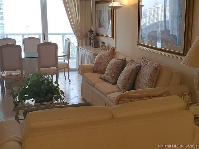 Sands Pointe for Sale - 16711 Collins Ave, Unit 2206, Sunny Isles 33160, photo 6 of 9