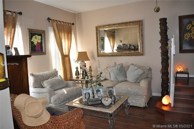 Leeward Islands for Sale - 8242 NW 107th Ct, Unit 5-12, Doral 33178, photo 4 of 31