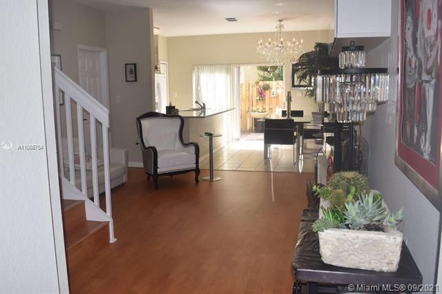 Leeward Islands for Sale - 8242 NW 107th Ct, Unit 2-12, Doral 33178, photo 1 of 16