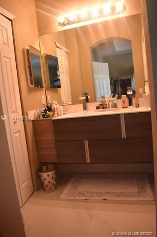 Leeward Islands for Sale - 8242 NW 107th Ct, Unit 2-12, Doral 33178, photo 2 of 16
