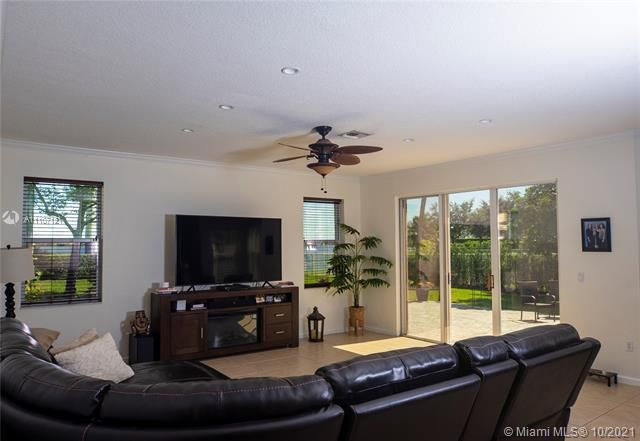 Riviera Isles for Sale - 17010 SW 53rd Ct, Miramar 33027, photo 16 of 30