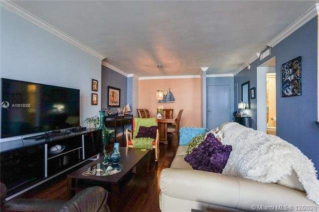 Crystal Tower for Sale - 322 Buchanan St, Unit 508, Hollywood 33019, photo 11 of 41