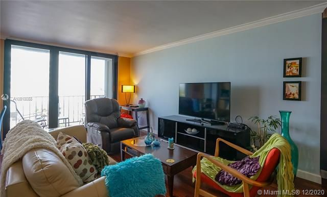 Crystal Tower for Sale - 322 Buchanan St, Unit 508, Hollywood 33019, photo 17 of 41