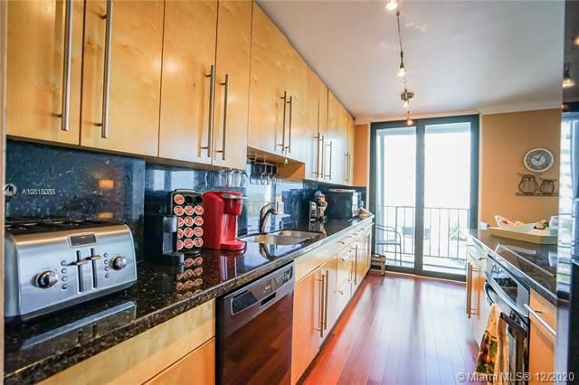 Crystal Tower for Sale - 322 Buchanan St, Unit 508, Hollywood 33019, photo 4 of 41