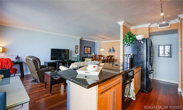 Crystal Tower for Sale - 322 Buchanan St, Unit 508, Hollywood 33019, photo 8 of 41