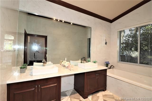 Regency Lakes At Coconut for Sale - 5337 Flamingo Pl, Coconut Creek 33073, photo 34 of 63