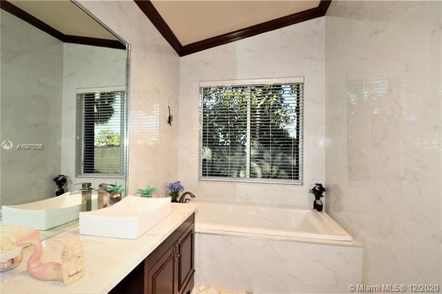 Regency Lakes At Coconut for Sale - 5337 Flamingo Pl, Coconut Creek 33073, photo 35 of 63
