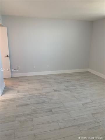 Oxford Towers for Sale - Hollywood, FL 33019, photo 13 of 18