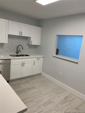 Oxford Towers for Sale - Hollywood, FL 33019, photo 2 of 18