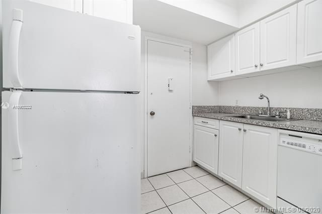 Alexander Towers for Sale - 3505 S Ocean Dr, Unit 1203, Hollywood 33019, photo 13 of 41