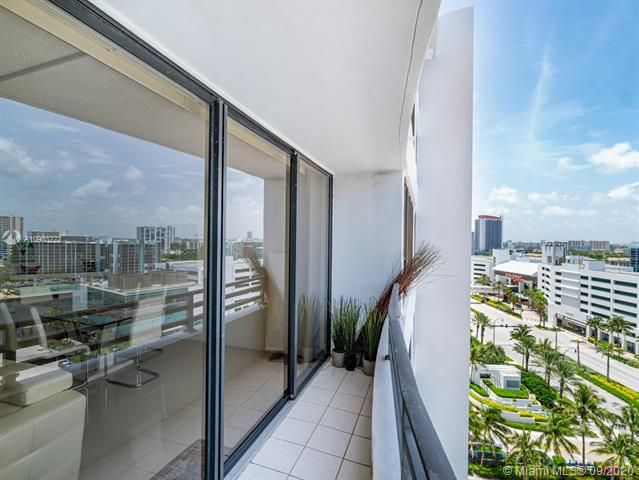 Alexander Towers for Sale - 3505 S Ocean Dr, Unit 1203, Hollywood 33019, photo 32 of 41