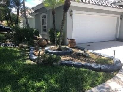 Winston Park Sec 2-a for Sale - 3939 NW 57th St, Coconut Creek 33073, photo 2 of 7