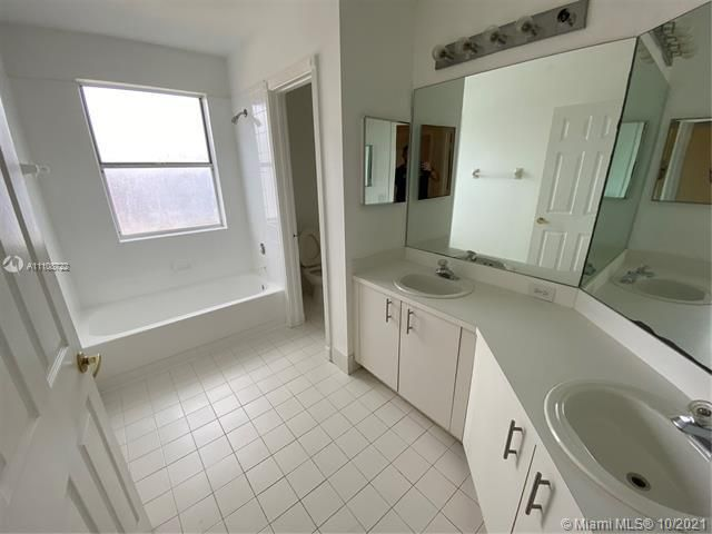 Winston Park Sec 2-a for Sale - 5534 NW 41st Ter, Coconut Creek 33073, photo 16 of 22